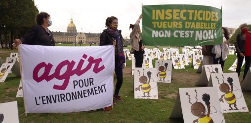 Manifestation contre la loi de réautorisation des néonicotinoïdes